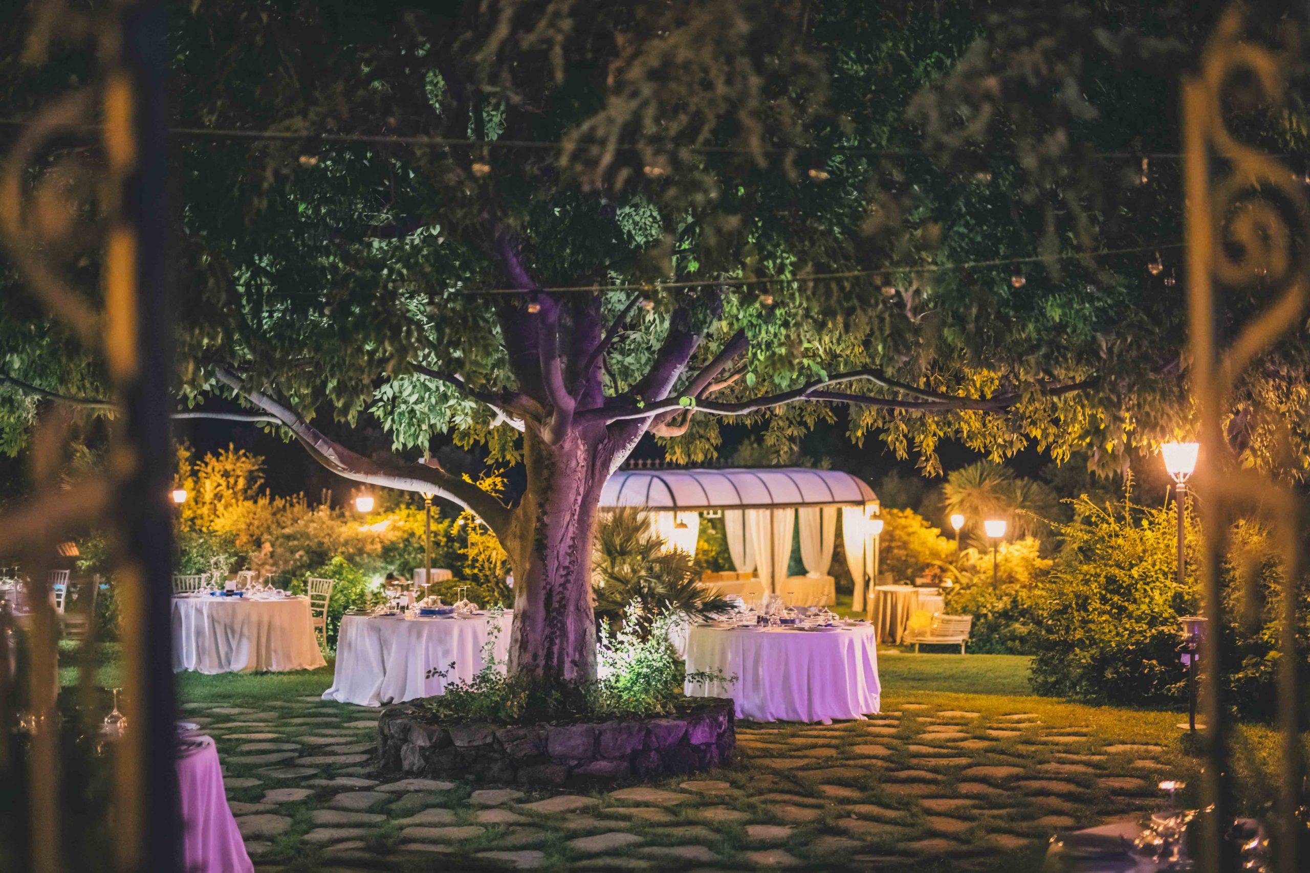 Un luogo dove amare la natura, emozionarsi e lasciarsi accogliere: Villa Musmeci è la dimora storica dove la ricercatezza e la cura di ogni dettaglio è la base di un'ospitalità all'altezza del matrimonio che sognate.
