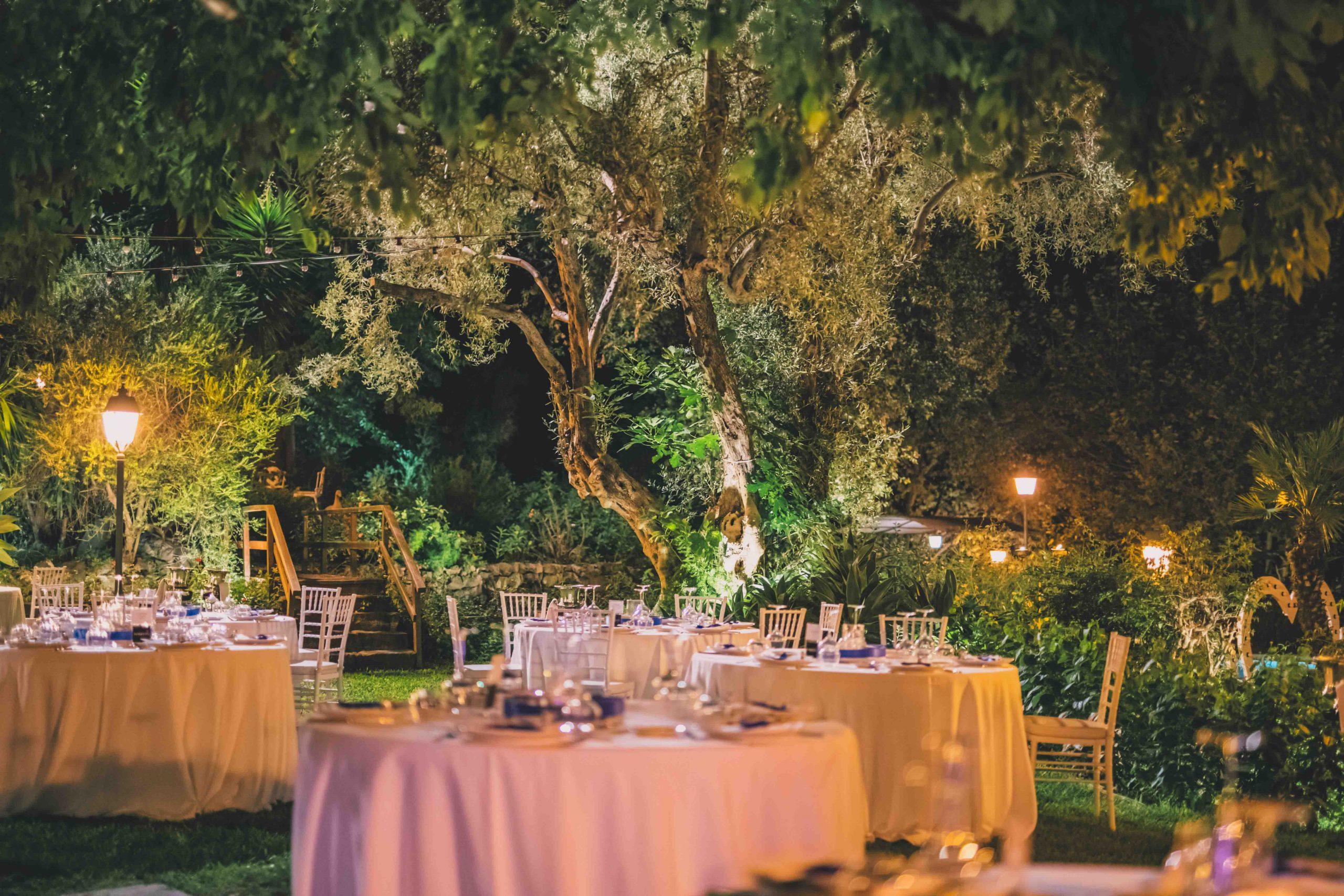 I momenti più magici sono quelli che riesci a ricordare per sempre, come il giorno del tuo matrimonio. Tra tavole imbandite, balli intensi e ospiti felici Villa Musmeci rende omaggio e custodisce i tuoi giorni migliori.