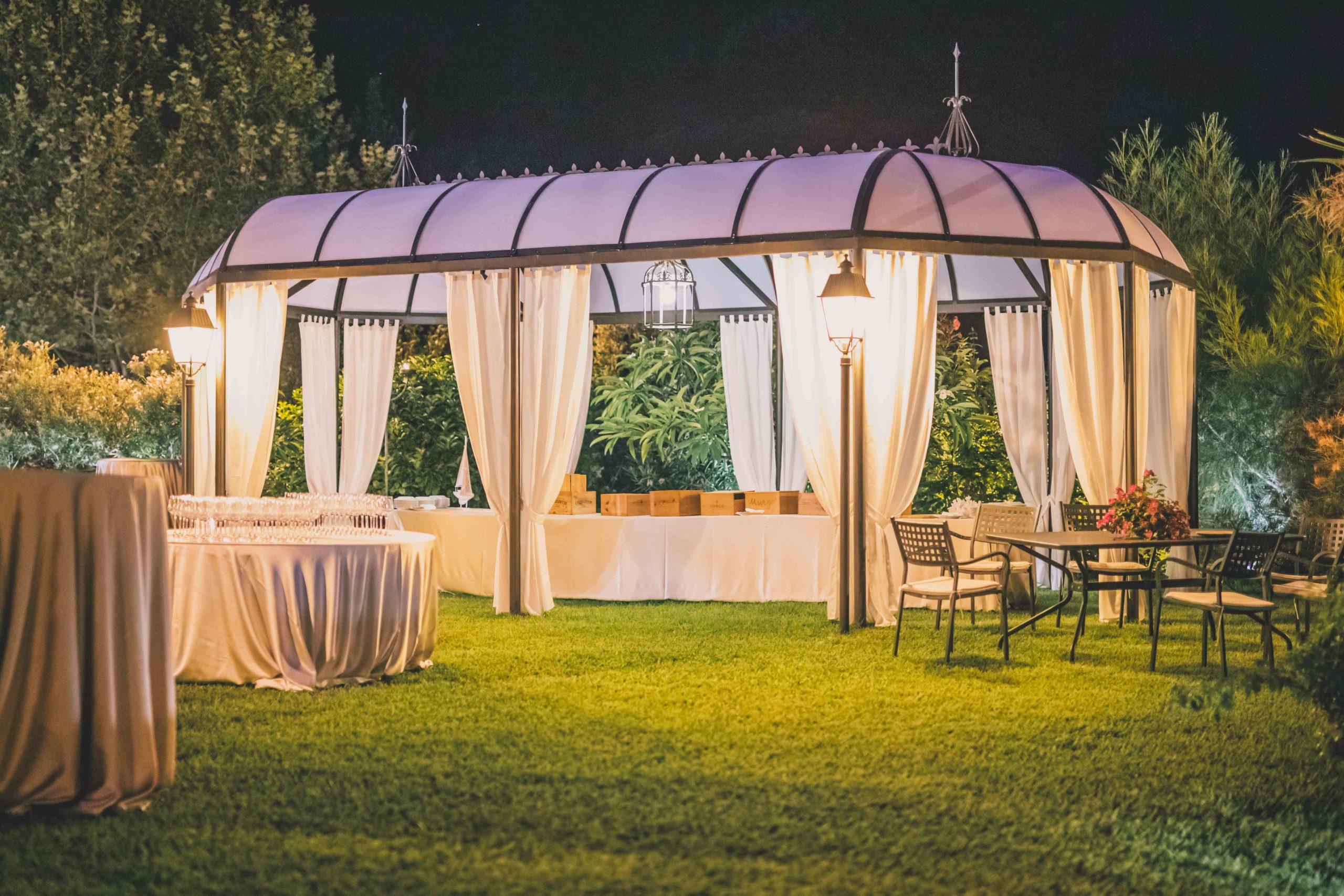 Villa Musmeci è la location ideale per il tuo matrimonio! Unisce l'eleganza di una dimora storica e nobiliare all'equilibrio sobrio della natura che renderanno il tuo evento semplicemente unico.