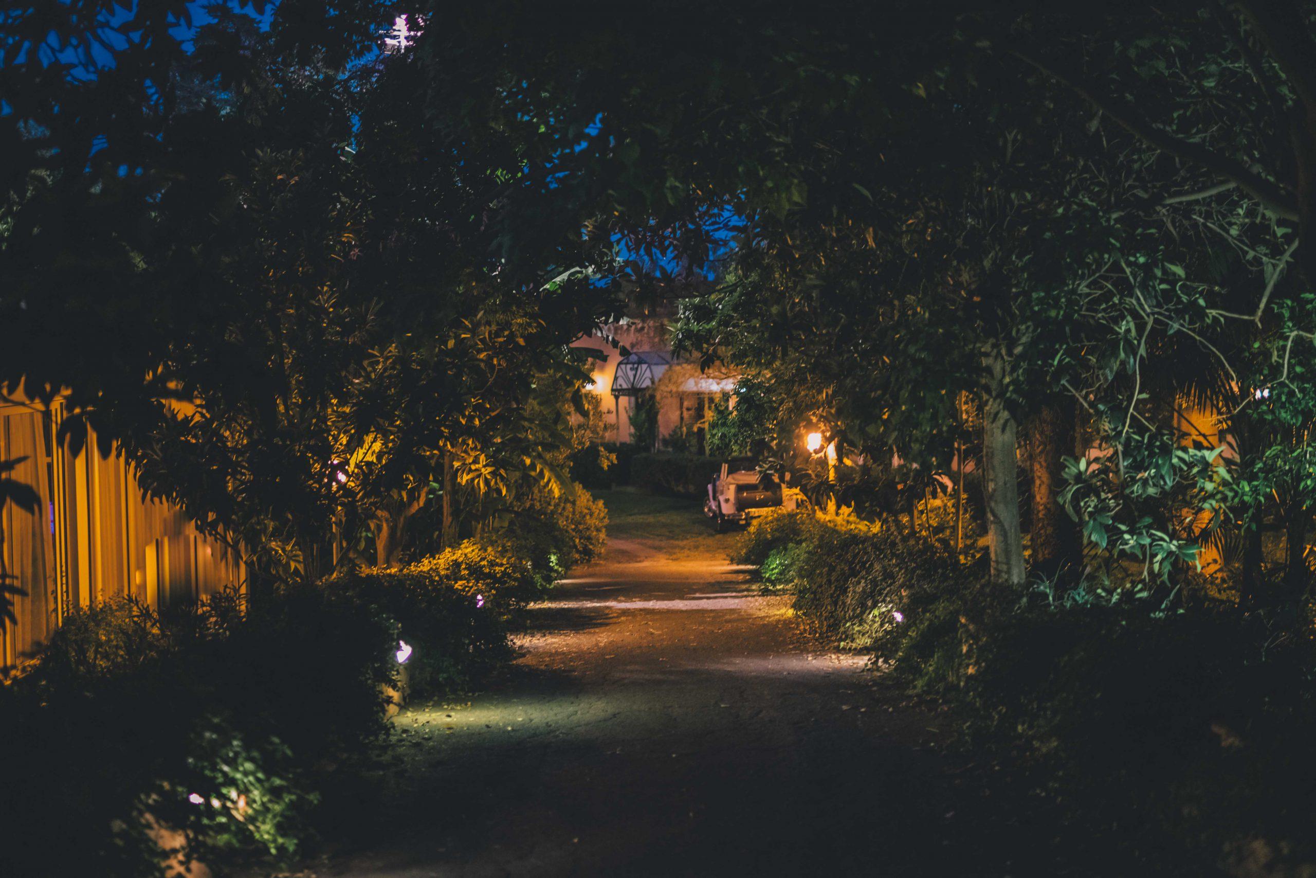 Che si desideri stare all'aperto o al chiuso, Villa Musmeci ha tutti gli spazi necessari.